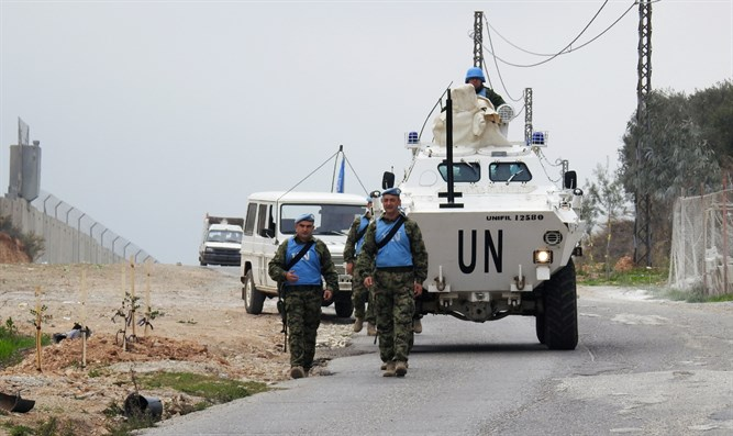 UN peacekeepers (UNIFIL) patrol border with Israel